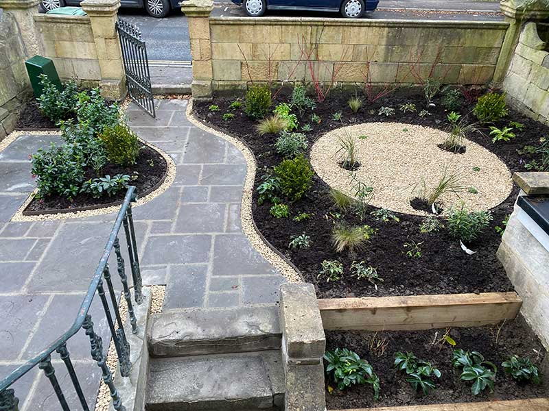 Exquisite-Front-Garden-Design-001